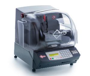 Unocode 299 ist eine elektronische Schlüsselfräsmaschine von Silca für das Anfertigen von Flachschlüsseln für Zylinder-und Autoschlösser